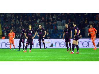 Galatasaray, İkinci Yenilgisi Aldı