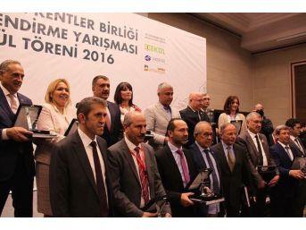 Urla'ya Bir Ödül De Tarihi Kentler Birliği'nden