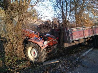 Kastamonu'da Traktör İle Otomobil Çarpıştı: 2 Yaralı
