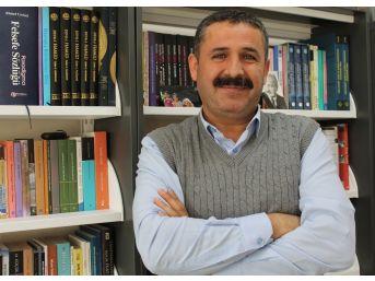 """(özel Haber) Prof. Dr. Topakkaya: """"felsefe Eğitimi Diğer Derslerdeki Başarıyı Artırıyor"""""""