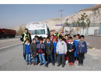 Gürün'de Öğrencilere Trafik Eğitimi Verildi