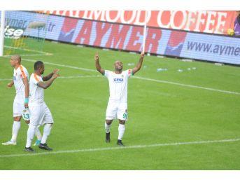 Vagner Love, Galatasaray Maçında Yok