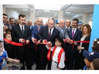 Hopa'da 'z-kütüphane İle Özel Eğitim Sınıfı' Hizmete Açıldı
