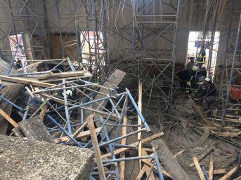 Çankırı'da Cami Kubbesi Çöktü: 3 İşçi Yaralı