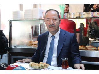 Chp'li Belediye Başkanından Rasim Ozan Kütahyalı'ya Börekli Tepki
