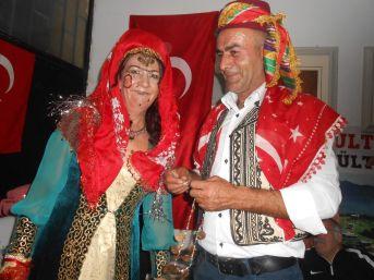 Türkmen Usulü ''görücü Usulü Kız İsteme'' Oyununu Sahnelediler
