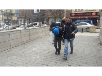 Uyuşturucu Satıcısı 3 Kişi Yakalandı