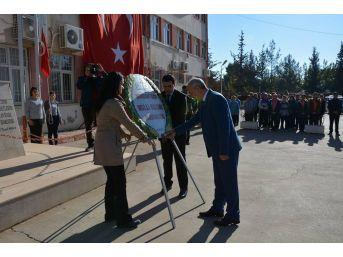 Nurdağı'nda Öğretmenler Günü Kutlandı.