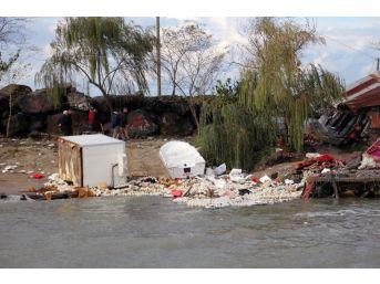 Giresun'da Fırtına Balıkçı Barınaklarına Zarar Verdi
