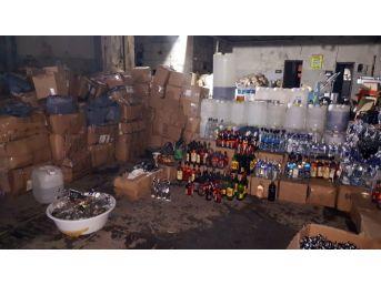 Fatih'te 10 Ton Metil Alkol Ve 120 Bin Şişe Sahte İçki Ele Geçirildi
