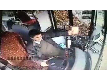 (özel) İstinye'de Freni Boşalan Özel Halk Otobüsünün Kaza Anı Kamerada