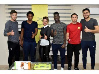 Aliağasporlu Futbolculara Yağ Ölçümü