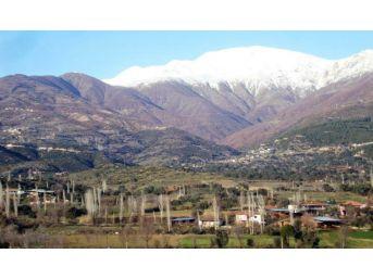 Kar İzmir'e Bozdağ'dan Giriş Yaptı