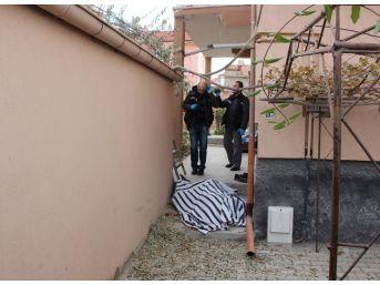Karaman'da Garaj Damından Düşen Yaşlı Adam Öldü
