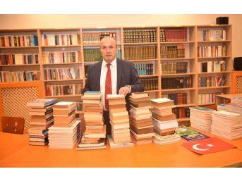 Emekli General Tokatlı, Kütüphanesini Taşköprü'ye Bağışladı