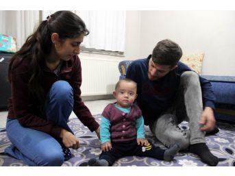 Hayata Tutunan Eymen Bebek Yaşamak İçin Yardım Eli Bekliyor