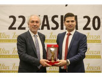 Kamil Saraçoğlu'na Başarı Ödülü