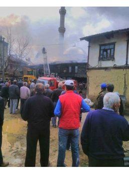Simav'da Ev Yangını: 1 Ölü