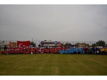 Yunusemre'de Çocuk Hakları Günü Futbol Şenliği Düzenlendi