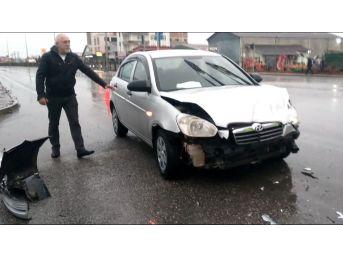 Otomobil İle Pikap Çarpıştı: 2 Yaralı