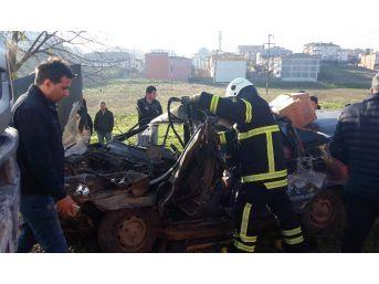 Kamyonla Otomobil Çarpıştı: 1 Ağır Yaralı