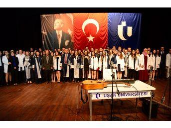 """Uşak Üniversitesi Tıp Fakültesinde İlk Defa """"beyaz Önlük Giyme Töreni"""" Gerçekleştirildi"""