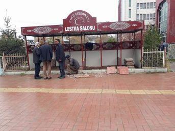 Erciş, Baraka Kent Görünümünden Kurtarılıyor