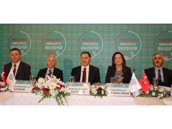 Kamu Başdenetçisi Malkoç, Basın Mensuplarıyla Bir Araya Geldi