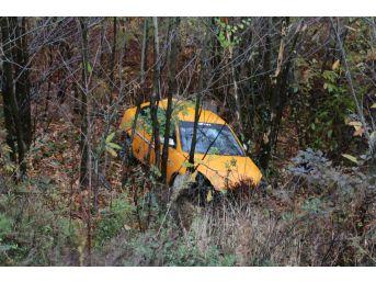 Yoldan Çıkan Ticari Taksi Şarampole Uçtu: 3 Yaralı
