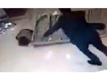 Otelde Üzerine Çelik Platform Düşen Çocuk Yaralandı