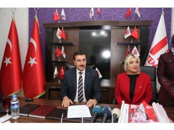 Bakan Tüfenkci'den 15 Temmuz Milli İrade Ocakları Derneği'ne Ziyaret