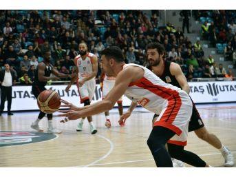 Tahincioğlu Basketbol Süper Ligi: Muratbey Uşak: 67 - Gaziantep Basketbol: 75