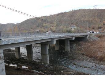 Bingöl'de Selden Yıkılan Köprü Trafiğe Açıldı