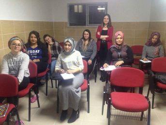 Yurt Öğrencilerine Haftada 4 Gün Yabancı Dil Kursu