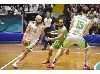 Manisa Bbsk Basketbolda Da Lider