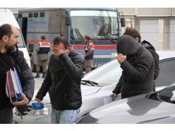 Samsun'da Kaçak Sigara Operasyonunda 4 Kişi Adliyeye Sevk Edildi
