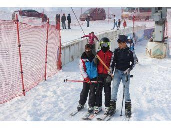 Ağrı'da Kayak Sezonu Başladı