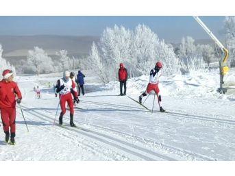 Ağrılı Kayakçılar Sezona 11 Madalya İle Başladılar