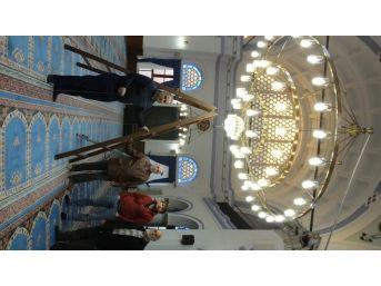 Burhaniye'de Koca Cami Hayırsever Desteğiyle Işıl Işıl Oldu