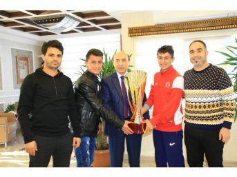 Dü Öğrencileri Türkiye Şampiyonu Oldu