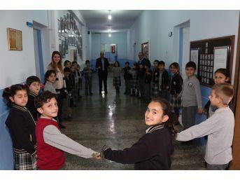 Okulda Halaylı Teneffüsler