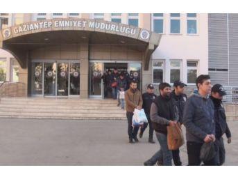 Gaziantep Merkezli 11 İlde Bylock Kullananlara Operasyon: 35 Gözaltı