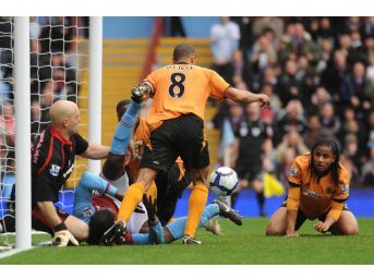 Wolverhampton Premier Lig'e Göz Kırpıyor