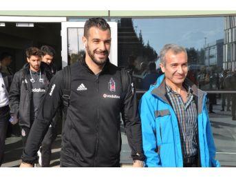 Beşiktaş Kupa Maçı İçin İzmir'e Geldi