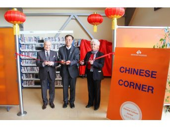 Çin Kültür Merkezi İzmir Ekonomi'de Açıldı