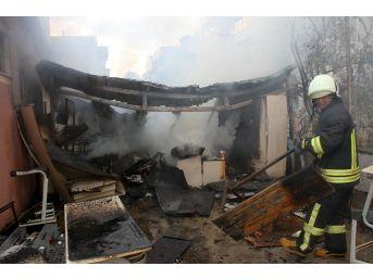 Fetö'nün Kapatılan Yurdunda Yangın Çıktı
