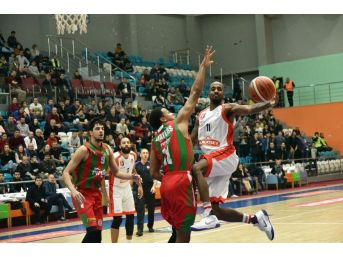 Tahincioğlu Basketbol Süper Ligi Muratbey Uşak:86 - Pınar Karşıyaka:92