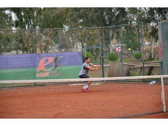 Adana'da Büyükler Tenis Türkiye Şampiyonası Başladı