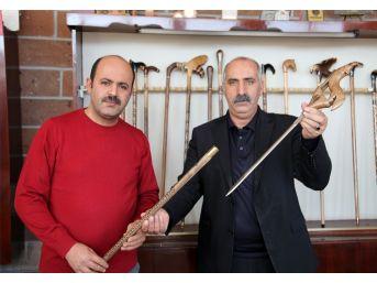 Devlet Bahçeli'ye Özel Bozkurt İşaretli Kılıçlı Baston