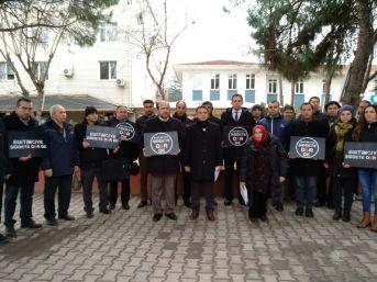 Lapseki'de Okul Müdürü Ayhan Kökmen'in Öldürülmesi Tepki Gösterildi